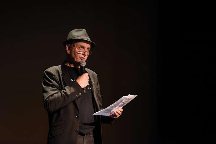 Richard Herlin était le seul à pouvoir emporter un millier de personnesen parlant de subjonctif imparfait, d'anglicisme et de féminisation des noms comme lors de sa prestation pour le Live Magazine, le25 septembre 2017 au Casino de Paris.