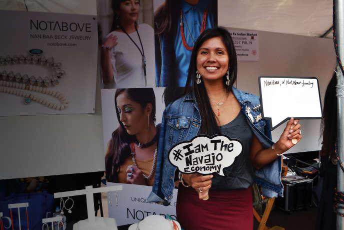 Nanibaa Beck a installé les ateliers de sa marque de bijoux «Notabove» dans l'espace de coworking Change Labs, à Tuba City (Arizona), le 19 mai.