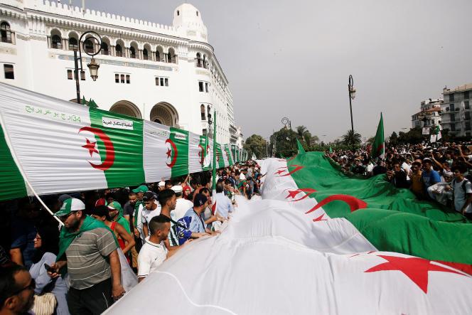 Manifestation contre le pouvoir à Alger, le 5 juillet 2019, lors du vingtième vendredi de mobilisation.