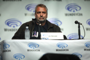 Luc Besson parle de son film « Lucy » à la convention WonderCon, au Anaheim Convention Center, en Californie, en 2014.