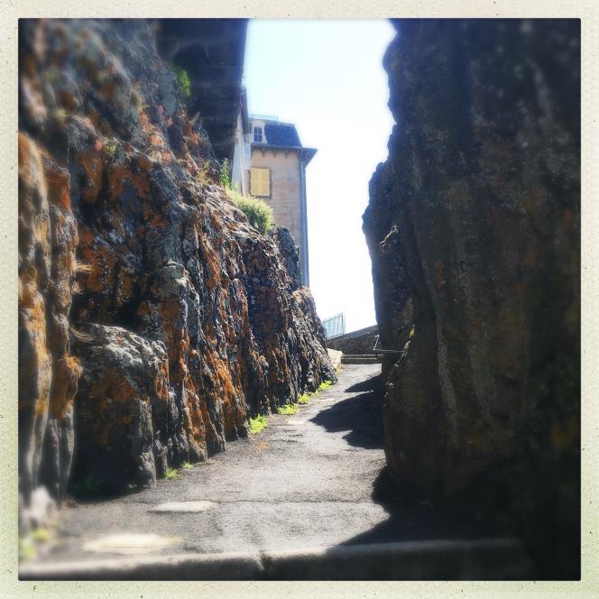 Le passage de la Main de Saint-Flour.
