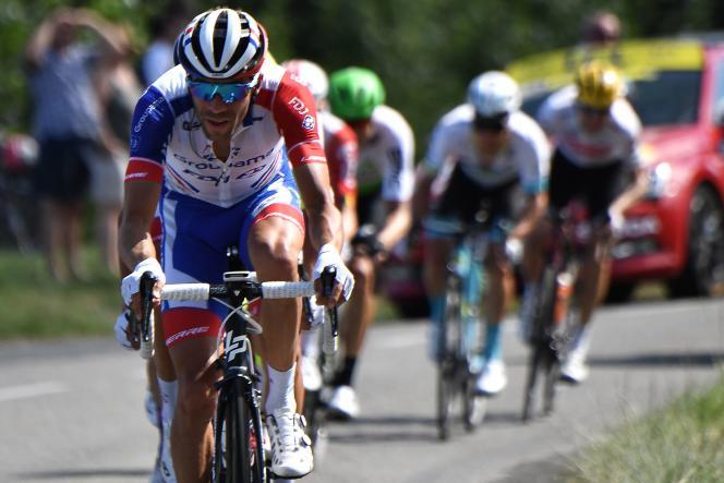 Thibaut Pinot en difficulté, le 15 juillet, lors de la 10e étape entre Albi et Saint-Flour.
