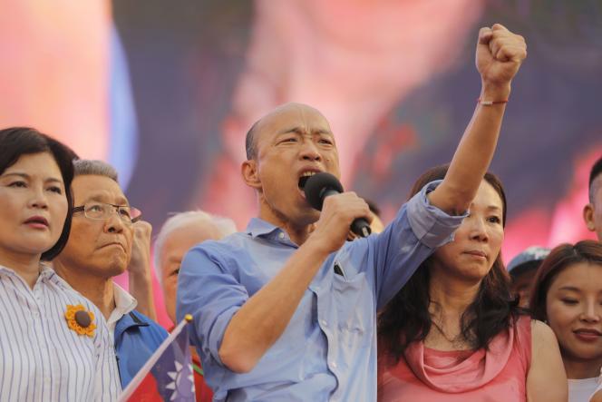 Han Kuo-yu, le maire de Kaohsiung, le 1er juin en marge d'un meeting durant la campagne de la primaire du parti Kuomintang (KMT) qu'il a remportée, comme annoncé le 15 juillet.