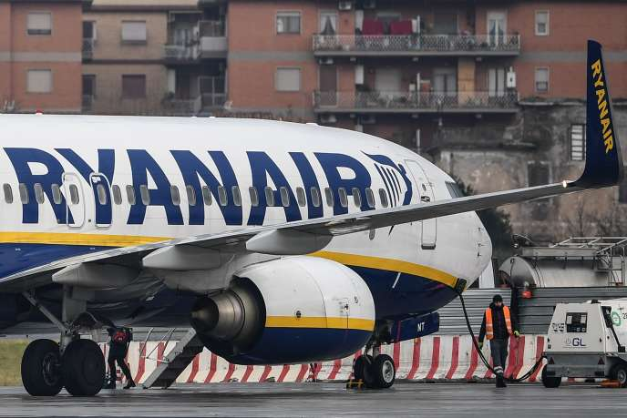 Ryanair annonce la fermeture de bases aéroportuaires à cause des déboires du Boeing737 MAX