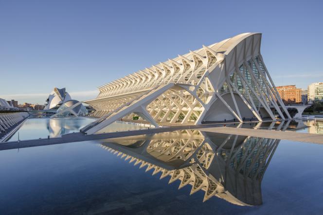 La Cité des arts et des sciences, à Valence, oeuvre de l'architecte espagnol Santiago Calatrava.