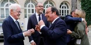Lionel Jospin et François Hollande, à Paris, le 17 juillet.