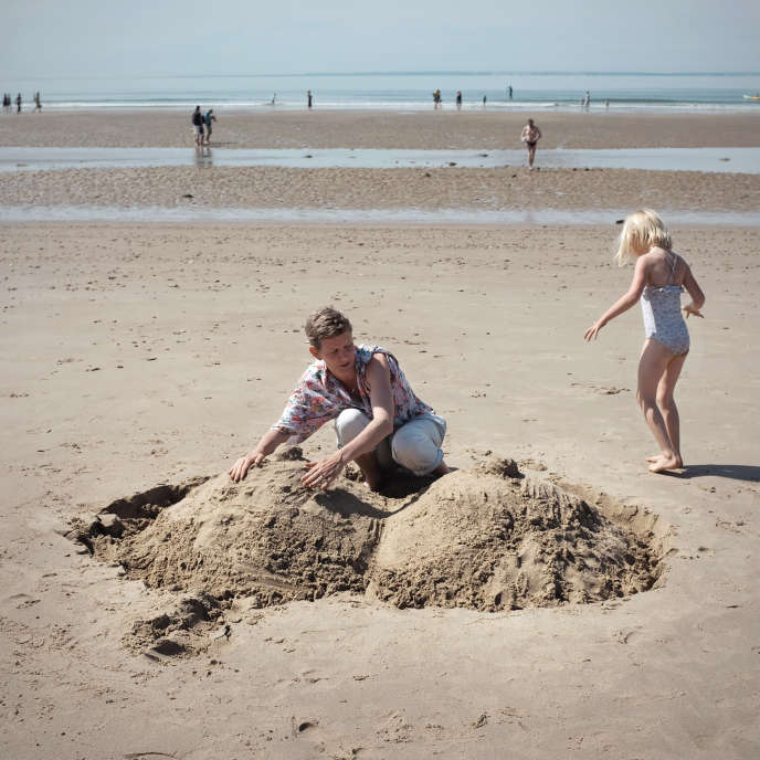 "A sand castle with Laure Prouvost: ""It's cozy, breasts. We all love that »"