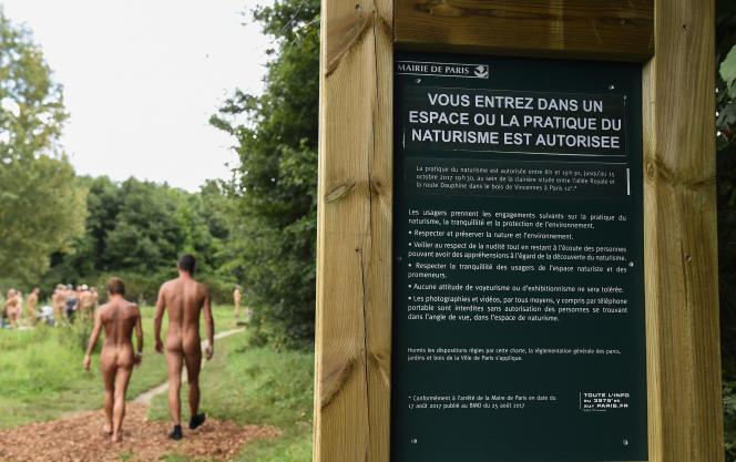 Cette initiative, encadrée par un arrêté municipal, permet à tous les naturistes qui le souhaitent de profiter d'un coin de nature.