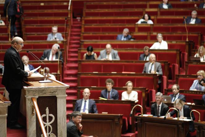 Le ministre des affaires étrangères Jean-Yves Le Drian a défendu le CETA à la tribune, mercredi 17 juillet.
