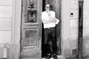 Sterling Ruby à Florence pour le premier défilé de sa marque, au salon Pitti Uomo, en juin 2019.