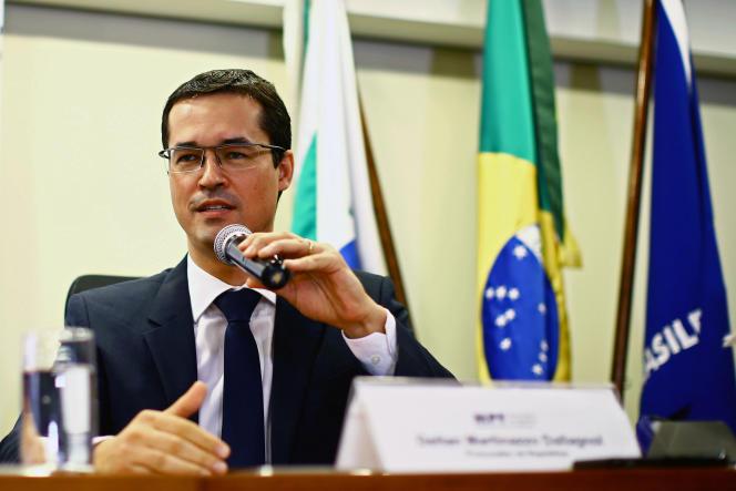 Le procureur Deltan Dallagnol s'exprimant dans le cadre de l'opération « Lava Jato». A Curitiba, le 7 décembre 2017.