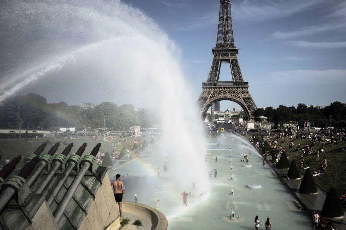 Les quatre dernières années ont été les plus chaudes jamais enregistrées sur la planète. Ici, à Paris, le 28 juin 2019, alors que plusieurs pays européens connaissent une vague de chaleur record.
