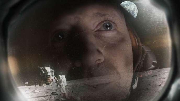 Neil Armstrong (Rufus Wright), le premier humain à marcher sur la Lune.