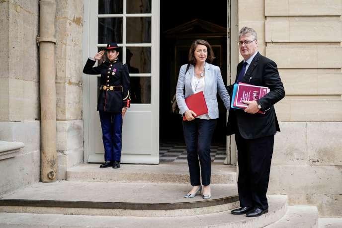 Jean-Paul Delevoye et la ministre Agnès Buzyn à Matignon à Paris, le 18 juillet.