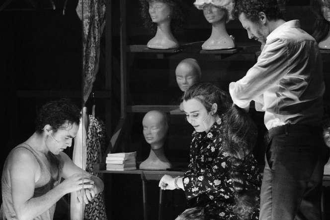 Julien Derivaz, Clotilde Morgiève et Jean-Christophe Dollé dans «Je vole...et le reste je le dirai aux ombres».