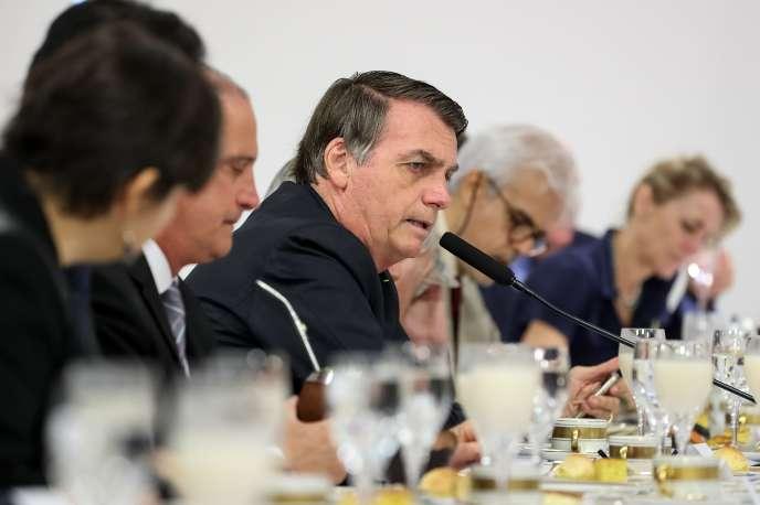 Jair Bolsonaro lors d'un petit déjeuner avec les correspondants de la presse étrangère à Brasilia, le 19 juillet. Photo fournie par la présidence brésilienne.