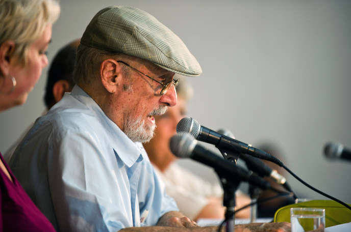 Le poète Roberto Fernandez Retamar à la Havane, à Cuba, le 14 mars 2012.