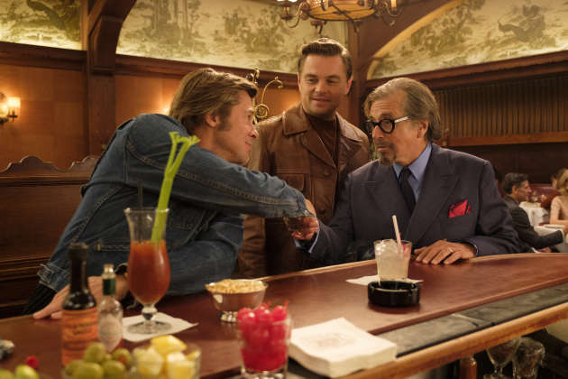 Brad Pitt, Leonardo DiCaprio et Al Pacino dans une scène de «Once Upon a Time in Hollywood», de Quentin Tarantino.
