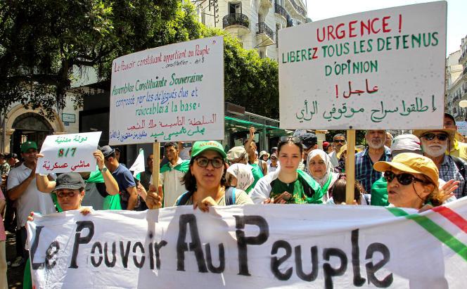 A Alger, 22e vendredi de contestation le 19 juillet 2019.