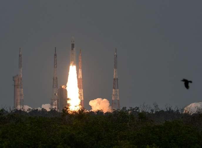 La fusée indienne Chandrayaan-2 décolle à destination de la Lune, le 22 juillet. Un robot se posera sur le pôlesud, jamais exploré par l'homme.