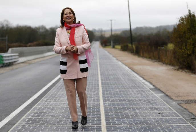 En Normandie, le fiasco de la plus grande route solaire du monde