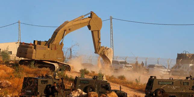 Des maisons palestiniennes jugées «illégales» en train d'être démolies au sud de Jérusalem