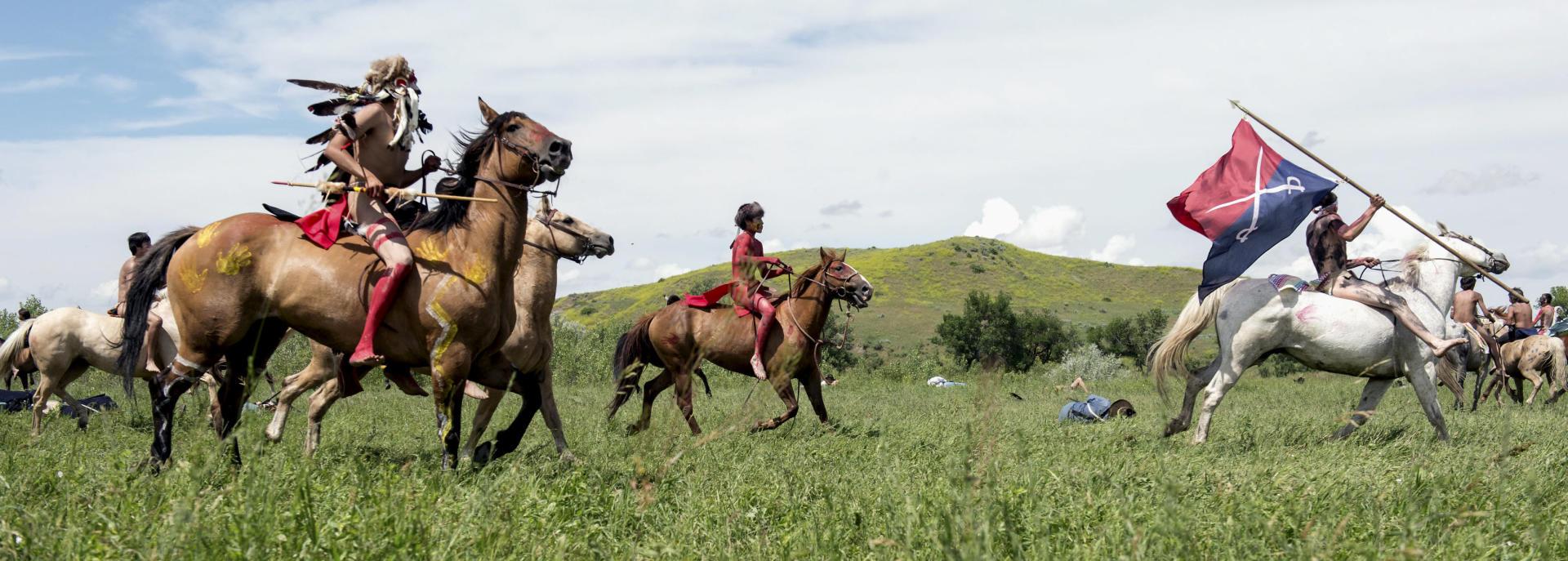Les Sioux célèbrent la victoire sur la 7e cavalerie du général Custer en1876, en reconstituant la bataillede Little Bighorn, le 23 juin 2018.