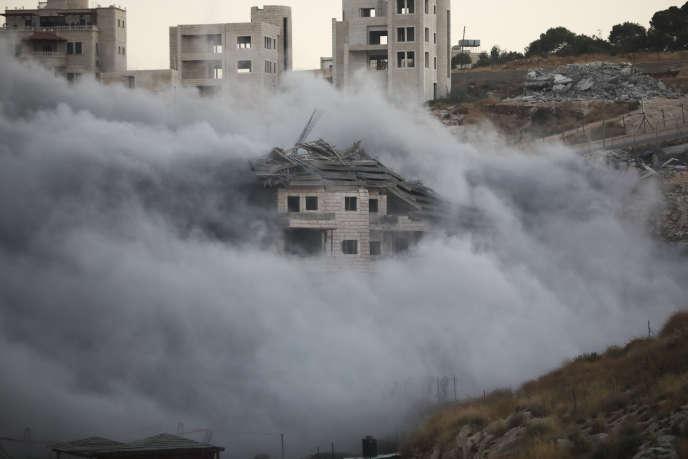 Un immeuble du village palestinien de Tsur Baher, à Jérusalem-Est, est détruit par l'armée israëlienne, le 22 juillet.