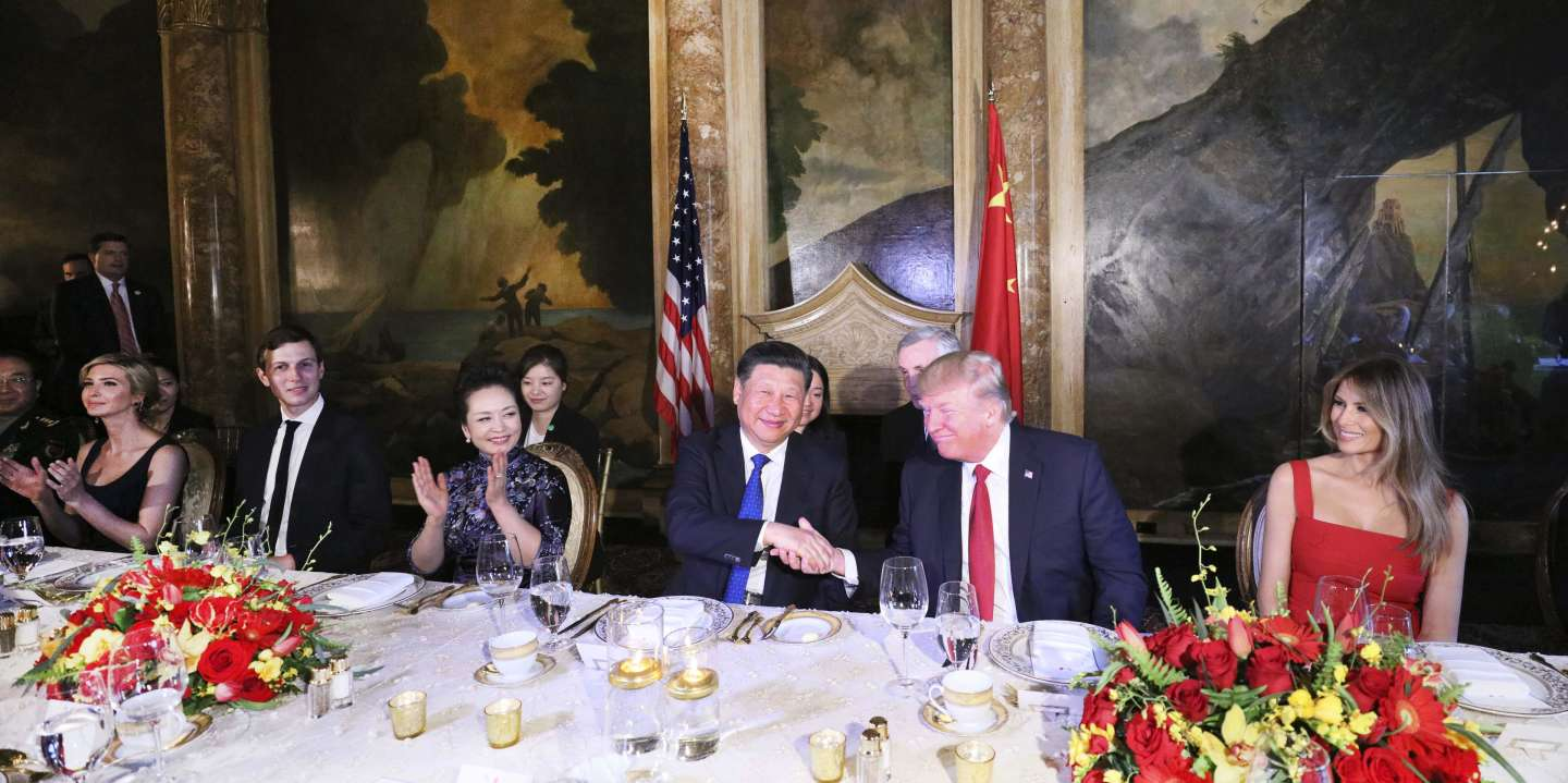 (170406) -- MAR-A-LAGO, April 6, 2017 (Xinhua) -- Chinese President Xi Jinping and his wife Peng Liyuan attend a welcome banquet hosted by U.S. President Donald Trump and First Lady Melania Trump in the Mar-a-Lago resort in Florida, the United States, April 6, 2017. (Xinhua/Lan Hongguang) (zyd) (MaxPPP TagID: xnaphotos739647.jpg) [Photo via MaxPPP]