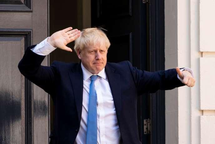Boris Johnson, devant le siège du Parti conservateur, à Londres, le 23 juillet.