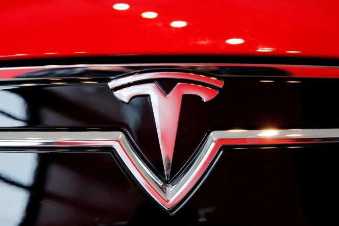 Malgre un record de livraisons et de productions de voitures, l'entreprise Tesla a perdu de l'argent au deuxième trimestre.