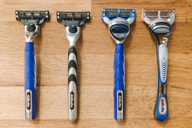 Les abordables Gillette3 et Gillette5 à côté de leurs équivalents plus coûteux. De gauche à droite : Gillette3, Gillette Mach3, Gillette5 et Gillette Fusion5.