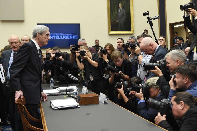 Robert Mueller lors de son témoignage devant le comité du renseignement de la Chambre, à Capitol Hill, à Washington, le 24 juillet.