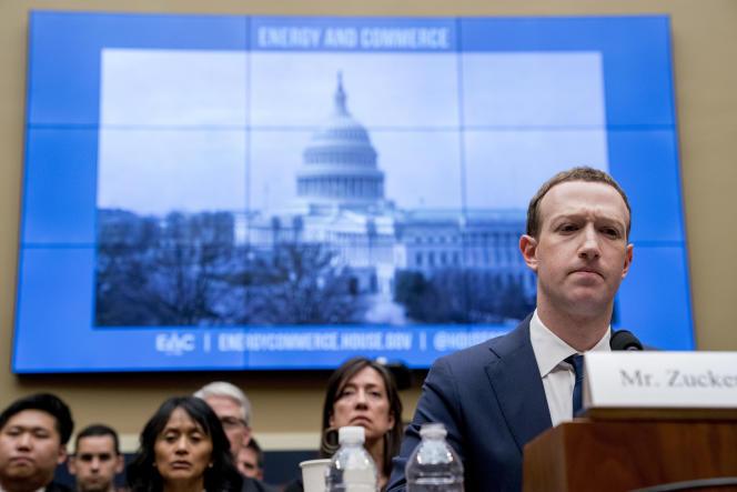 Mark Zuckerberg lors de son audition devant le comité de l'énergie et du commerce, à Washington, en avril 2018.