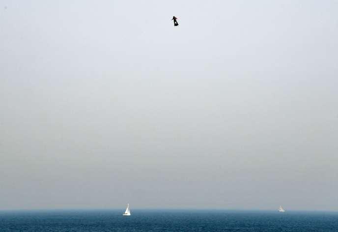 Jeudi 25juillet, Franky Zapata tente la traversée Sangatte (Pas-de-Calais) - Douvres (Kent) sur son Flyboard Air.