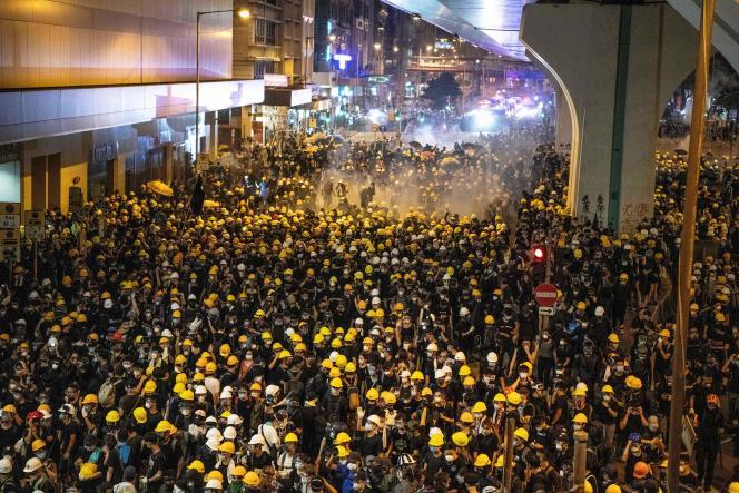 Nuit de chaos entre la police et les manifestants de Hongkong, le 21 juillet 2019.