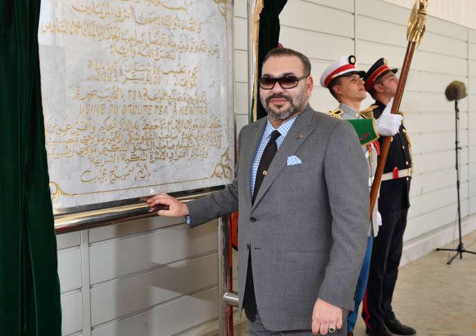 Le roi du Maroc, Mohammed VI, inaugure l'usine PSA de Kenitra (nord), le 20 juin 2019.