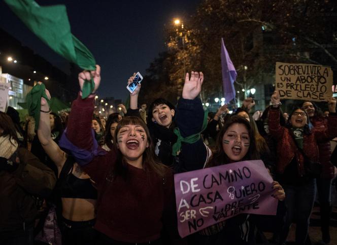 Manifestations en faveur du droit à l'avortement à Santiago, au Chili, le 25 juillet 2019.
