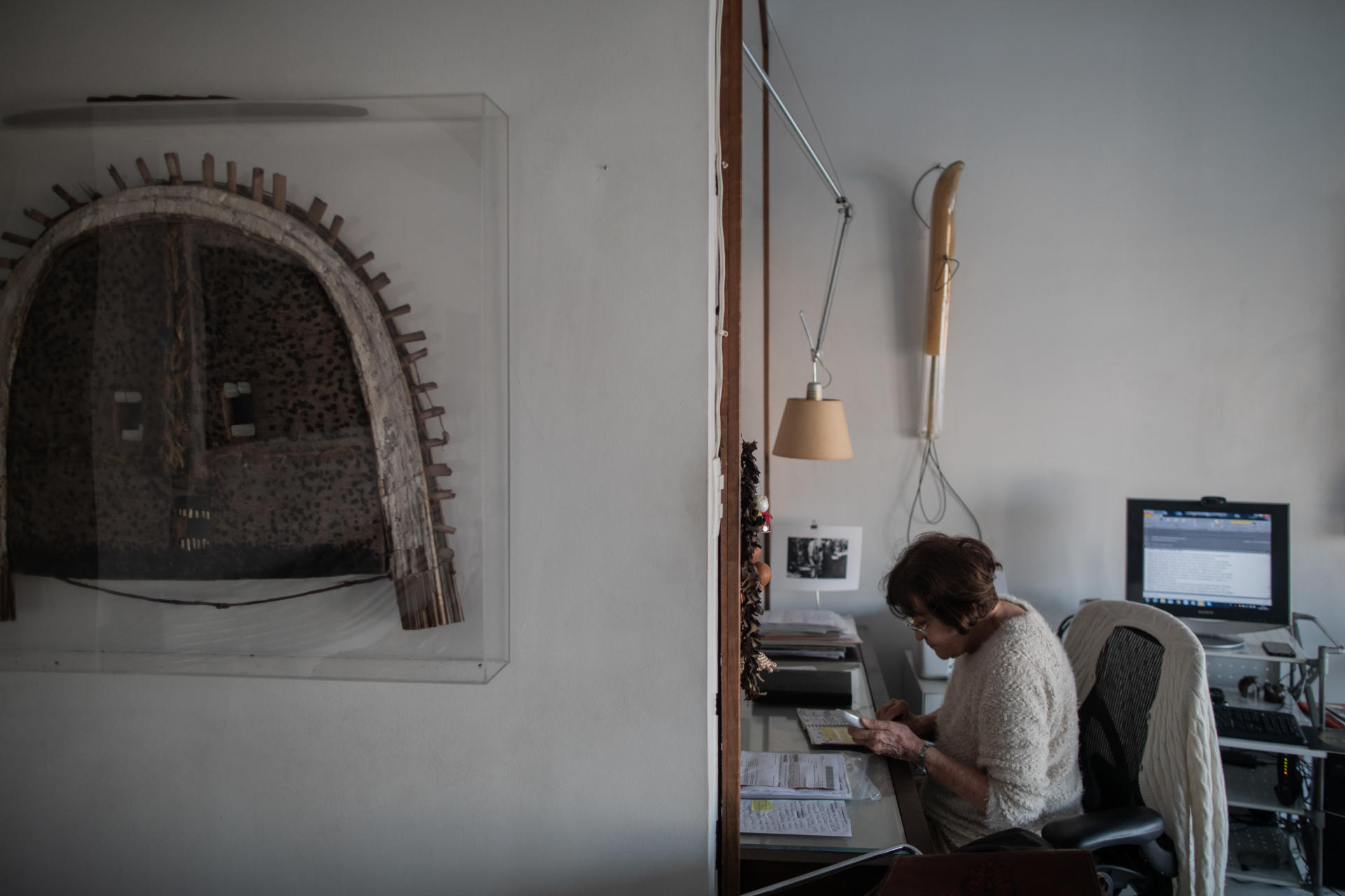 Claudia Andujar, dans son appartement de Sao Paulo, le 24 juillet 2019