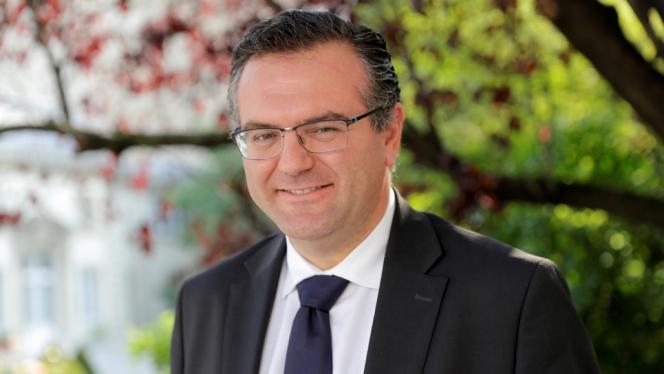 Le député de La République en marche Romain Grau va porter plainte après que sa permanence a été prise pour cible par des « gilets jaunes ».