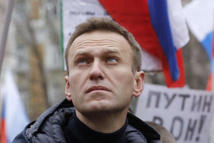 Russia: Freezing the accounts of Alexei Navalny's anti-corruption body
