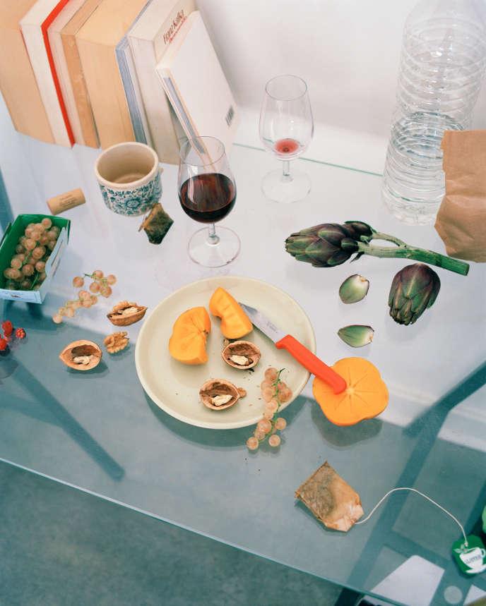 Le vin rouge, le thé, le cassis, la framboise, l'épinard ou encore l'abricot contiennent des composés astringents.