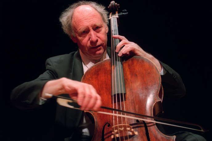 Anner Bylsma en concert en 2003.