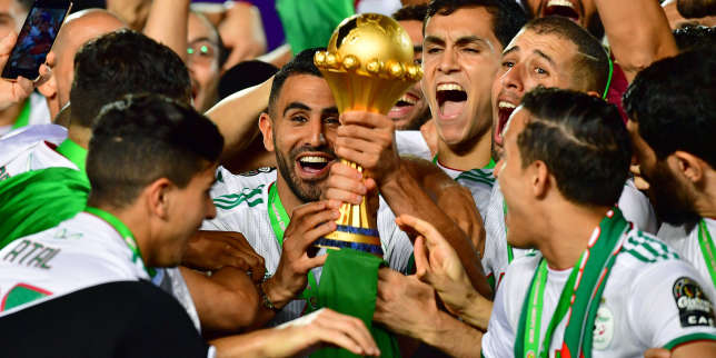 CAN 2019: l'enfant de Sarcelles, Riyad Mahrez, capitaine de l'équipe d'Algérie, reçoit la médaille de la ville