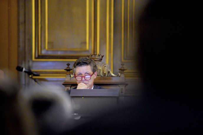 Nicolas Florian, maire de Bordeaux, lors d'un conseil municipal, le 7 mars.