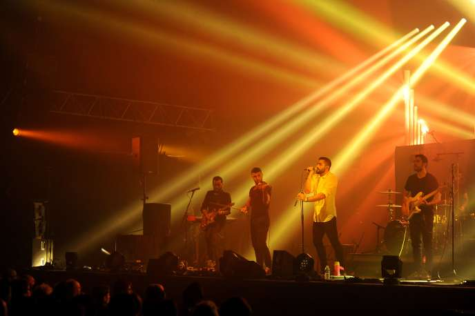Un concert de Mashrou'Leila au festival du Printemps de Bourges le 26 avril 2015.