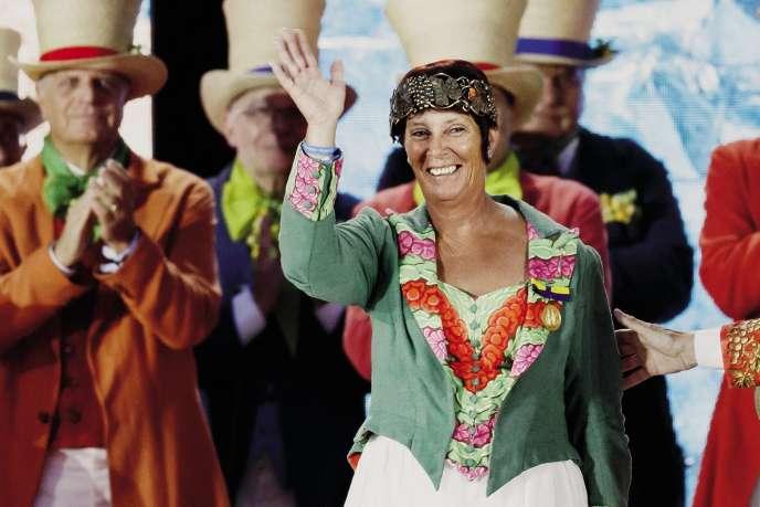 Corinne Buttet, 56 ans, obtient la médaille d'or à la Fête des vignerons, à Vevey (Suisse), le 18 juillet 2019.