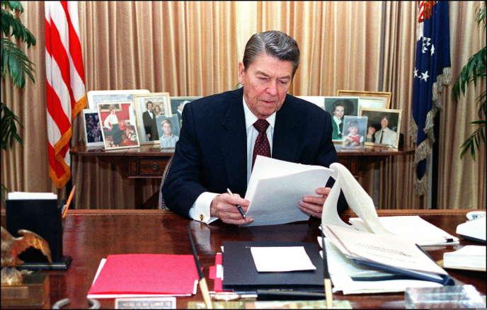 Ronald Reagan à la Maison Blanche en janvier 1988.