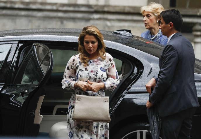 La princesse Haya Bint al-Hussein arriveà la Haute Cour de justice de Londres, le 30 juillet.