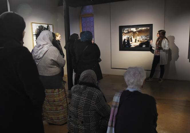Lors d'une exposition de l'antenne de l'Institut du monde arabe à Tourcoing en novembre 2018.